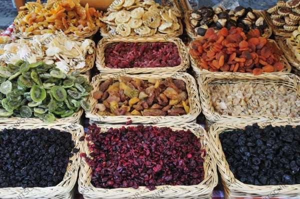 فروشندگان میوه خشک